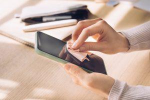 Read more about the article Czym czyścić telefony?